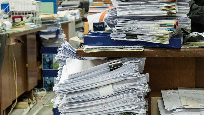 書類が多すぎて整理が間に合わない